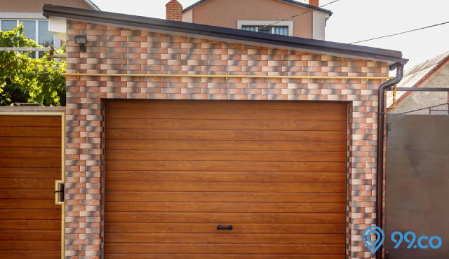 11 Desain Pintu Garasi Kayu Hadirkan Nuansa Yang Hangat Pada Hunian