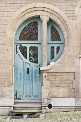 desain pintu unik