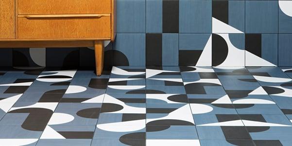 corak keramik geometris
