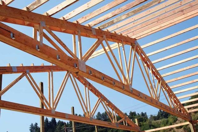 rangka atap kayu