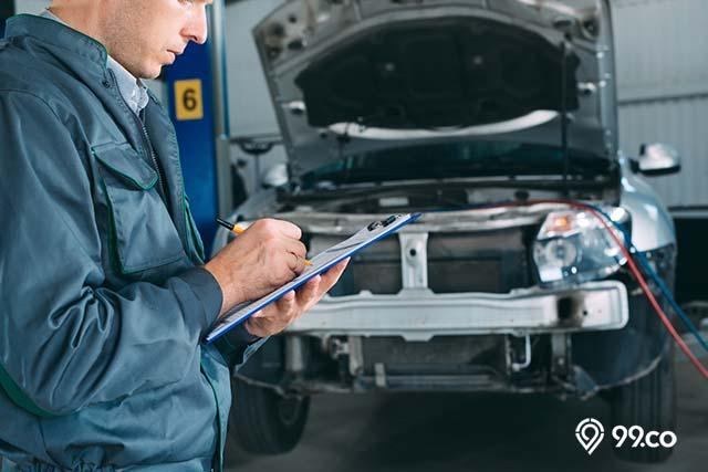 periksa riwayat servis sebelum beli mobil bekas