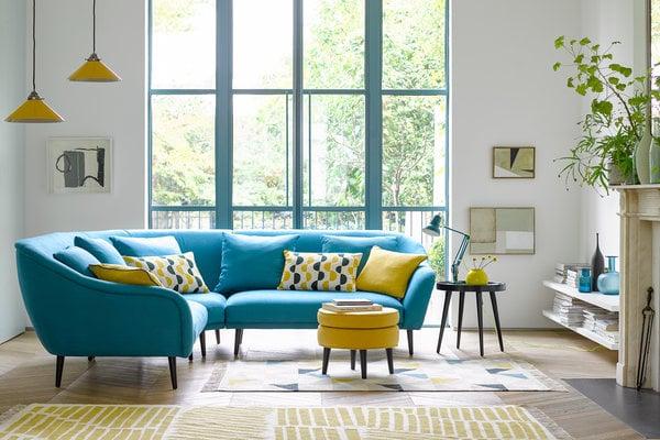sofa warna cerah