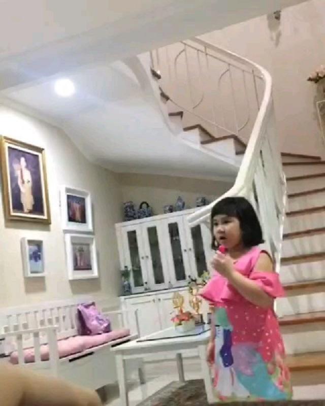 anak astrid tiar