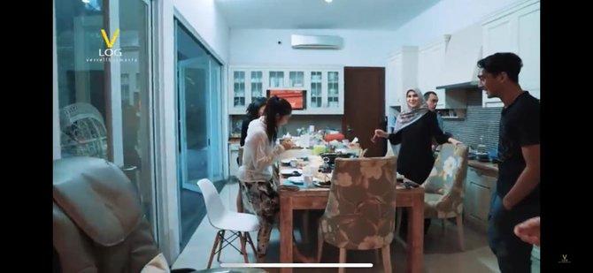 ruang makan artis