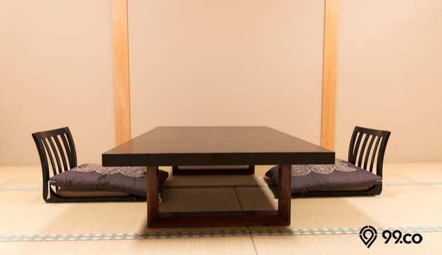 ruang makan lesehan
