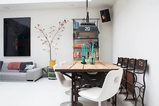 Ruang Makan Sederhana sentuhan besi