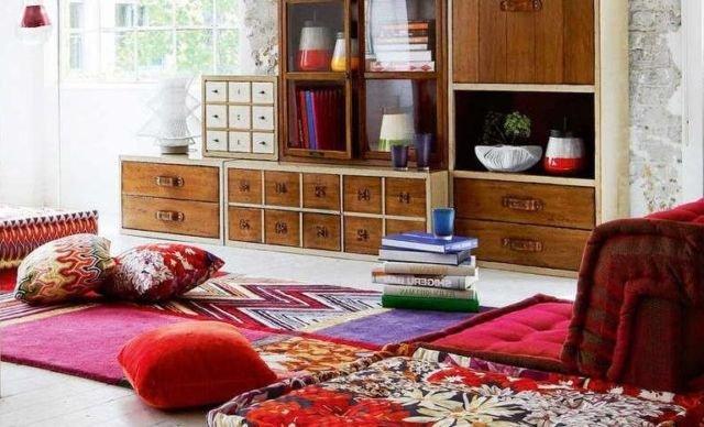10 Inspirasi Desain Ruang Tamu Tanpa Sofa Di Rumah Yang Bikin Akrab