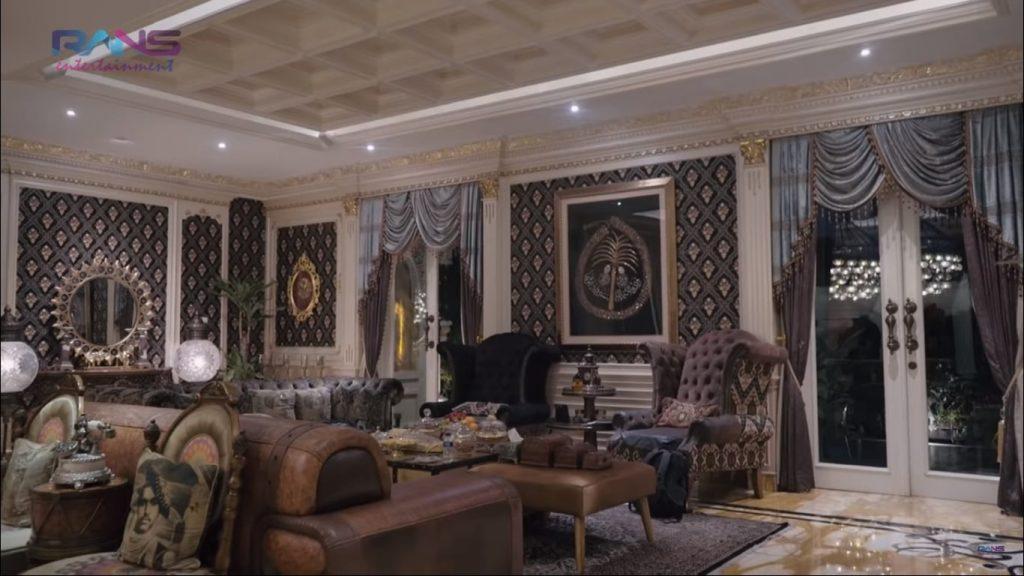 ruang tamu utama hm fitno