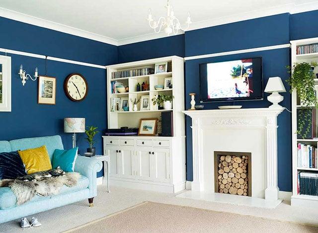 ruang tv warna biru tua