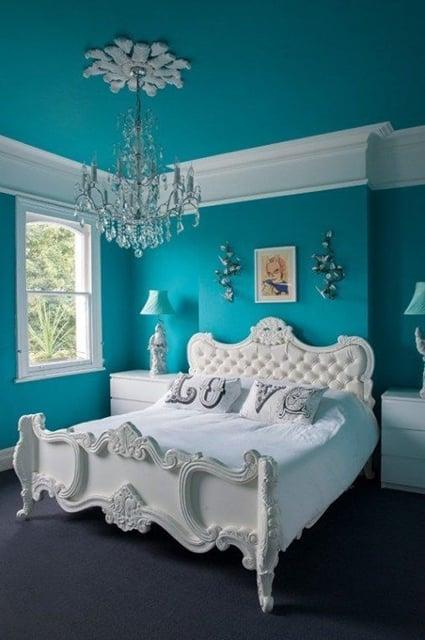 kamar tidur warna biru tosca