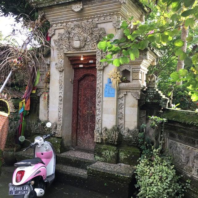 rumah adat bali angkul-angkul