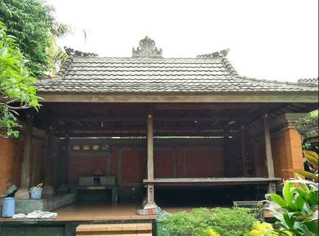 rumah adat bali pawaregan