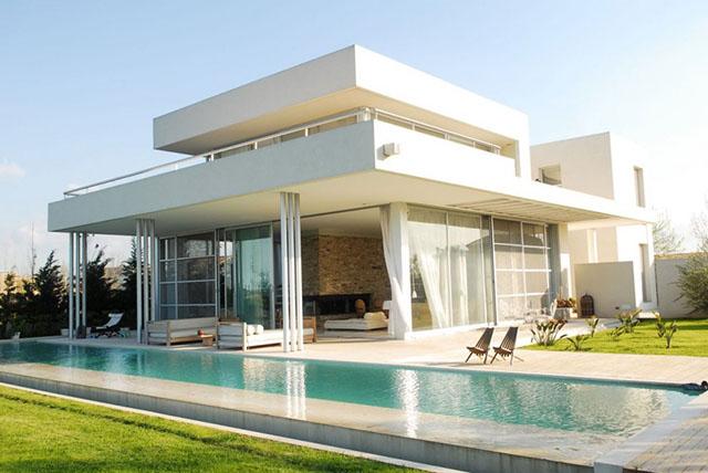 rumah besar minimalis