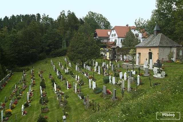 rumah bekas kuburan
