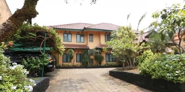 rumah Ikang fawzi dan Marissa Haque