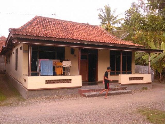 7 Inspirasi Desain Rumah Kampung Yang Bikin Hati Adem