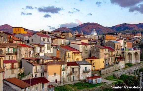 rumah murah Kota Cinquefrondi Italia