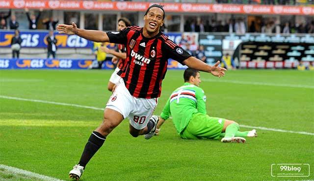Rumah Ronaldinho Punya 2 Kamar Khusus 2 Pacarnya. Enggak Salah, Nih?