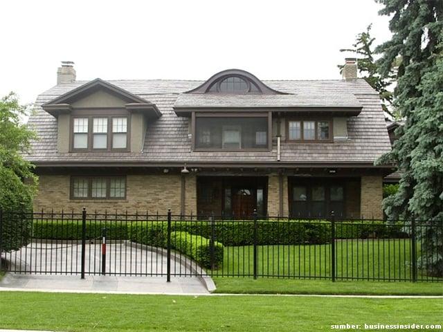 rumah sederhana selebriti