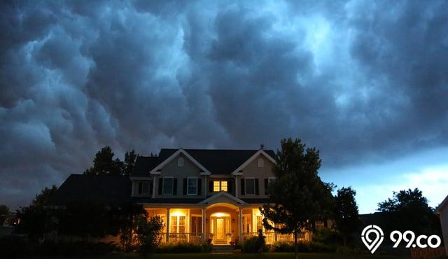 rumah yang gelap