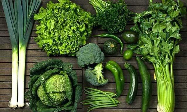 sayuran hijau segar