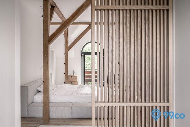 sekat ruangan kayu