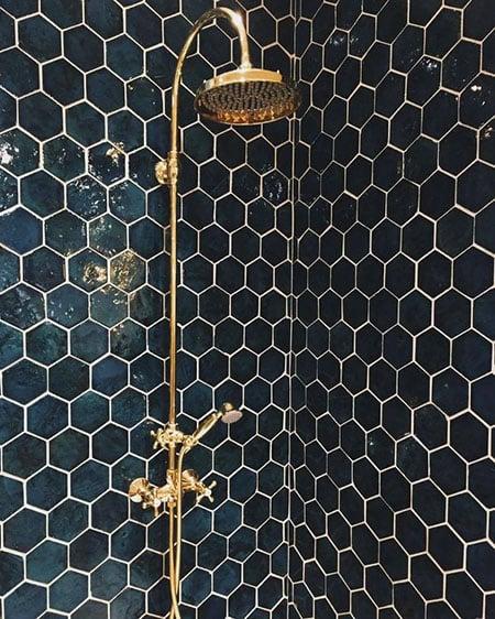 shower mandi warna emas