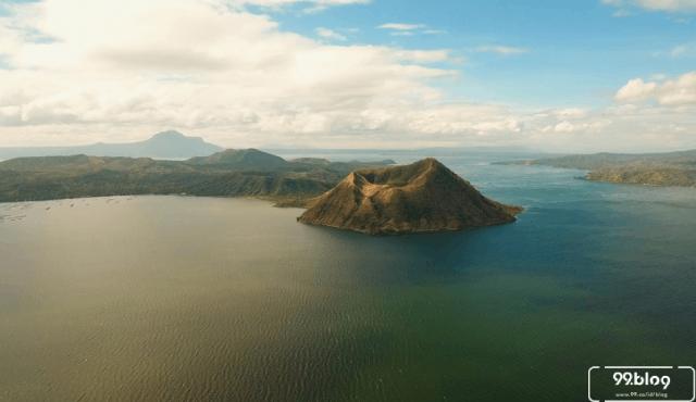 Gunung Taal di Filipina Meletus, Disebut Awal Kiamat Dunia?