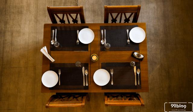 5 Desain Kursi Makan untuk Hadirkan Suasana Baru Tahun 2020