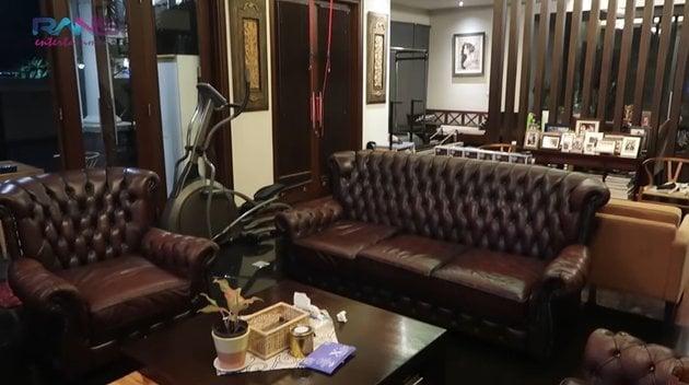 sofa panjang cokelat