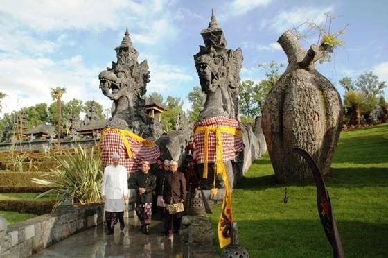 bangunan tradisional indonesia
