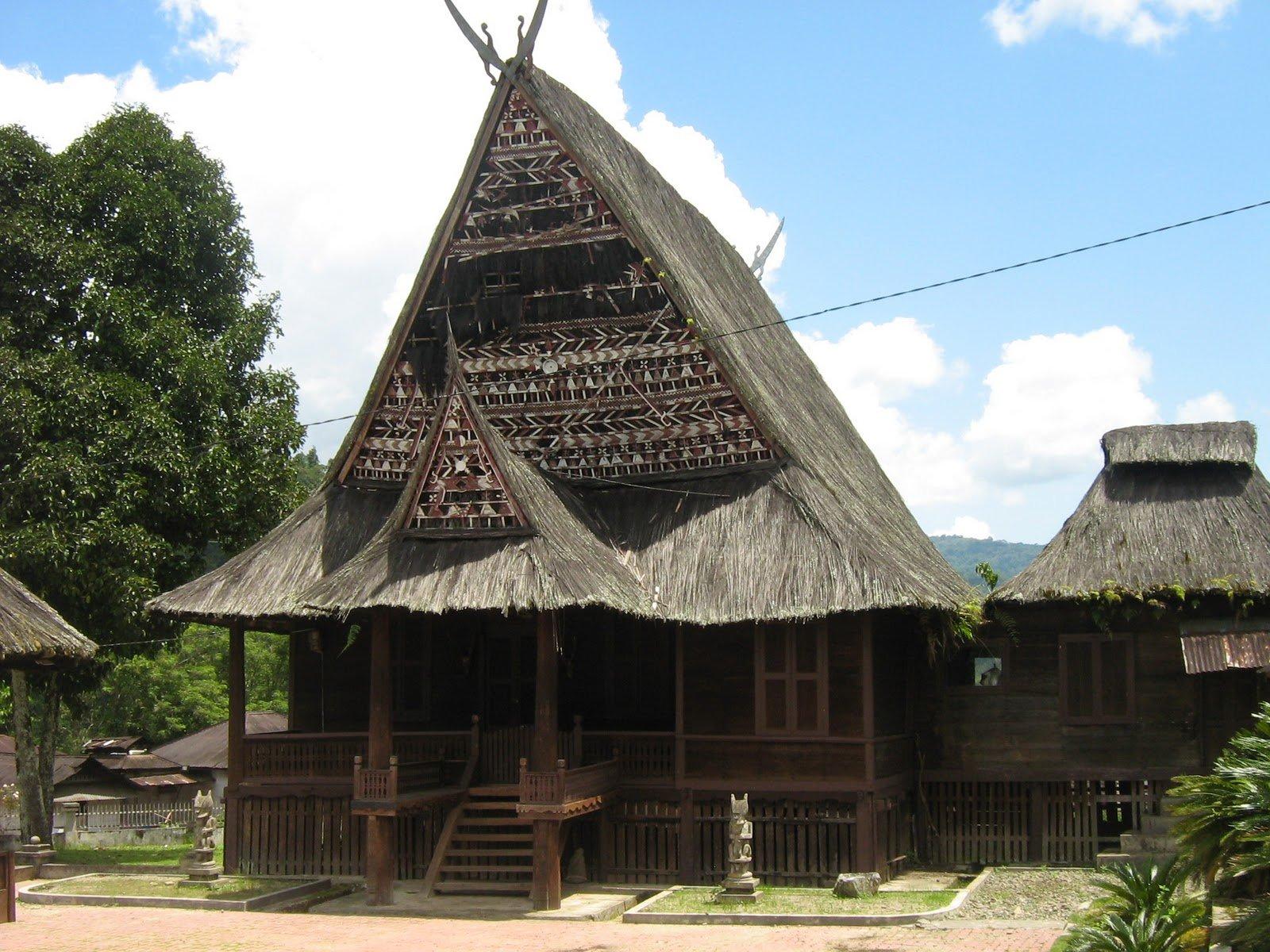 7 Jenis Rumah Adat Sumatera Utara