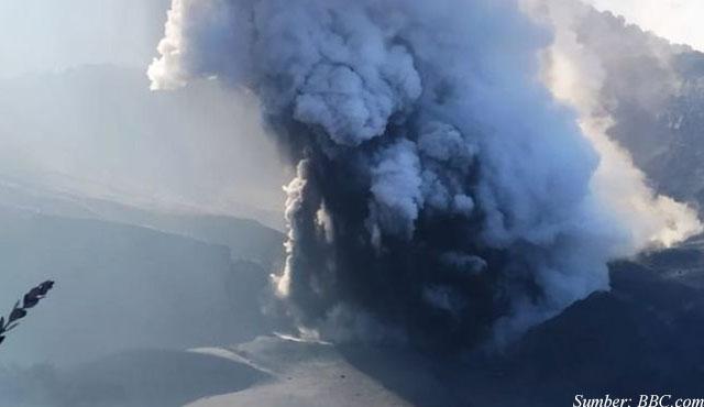 gunung tangkuban perahu erupsi