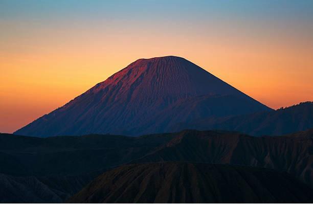 misteri gunung semeru