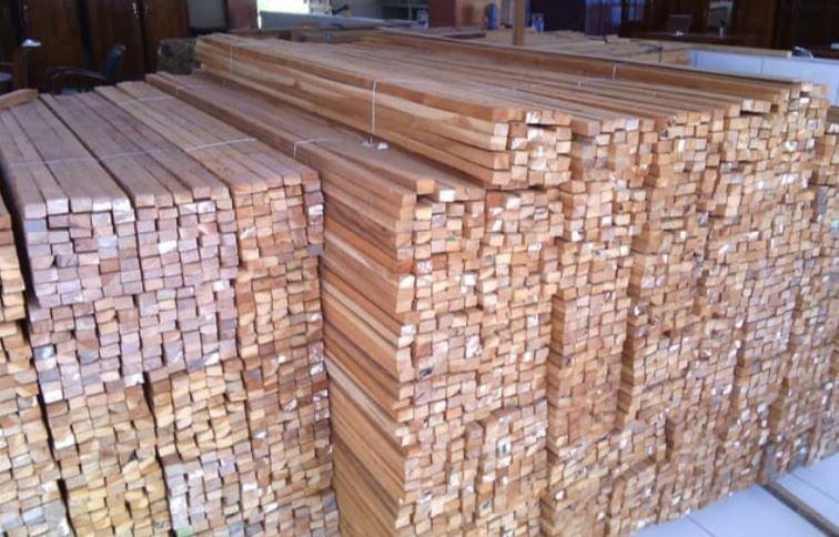 harga material kayu bangunan