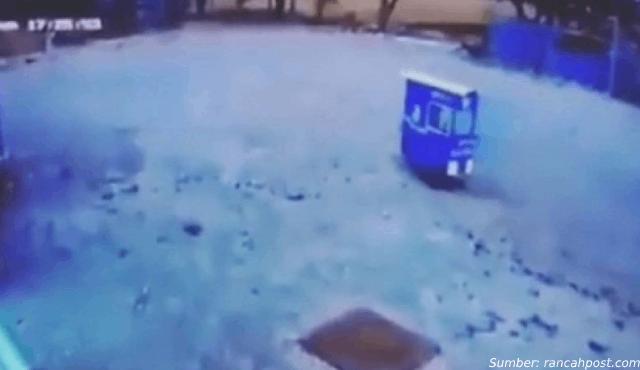 Viral Gerobak Mie Ayam Jalan Sendiri Sejauh 50 Meter, Didorong Hantu?