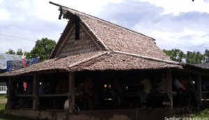 rumah adat maluku