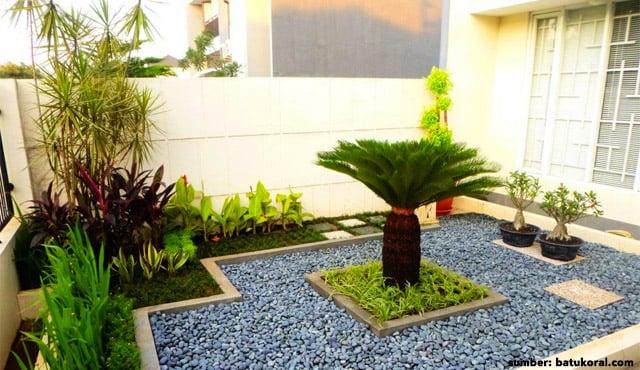 7 Desain Taman Kecil Depan Rumah. Minimalis Modern Nan Asri!