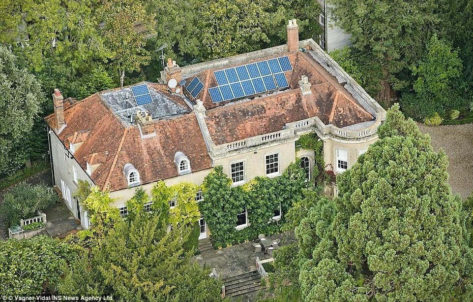 tampak atas rumah george clooney
