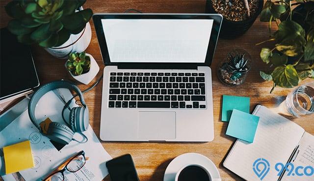 13 Tanaman Hias Mini untuk Percantik Meja Kerja. Menyegarkan dan Bawa Hoki!