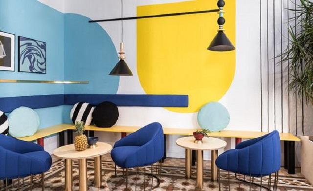 ruangan biru dan kuning