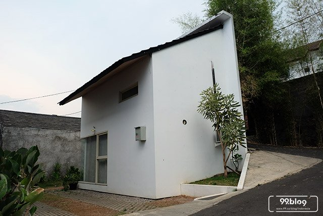 the lou house airbnb bandung