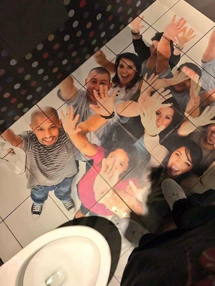 toilet unik