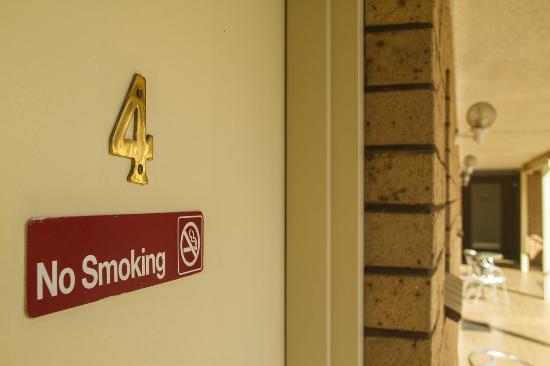 non smoking room hotel