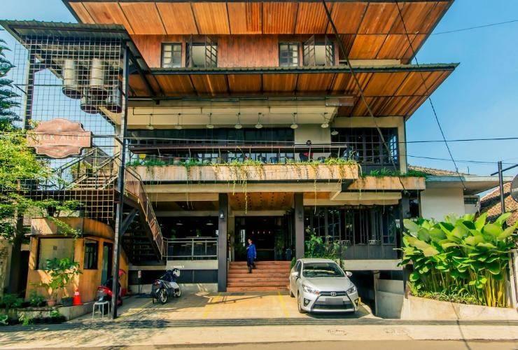 triple hotel seven bandung