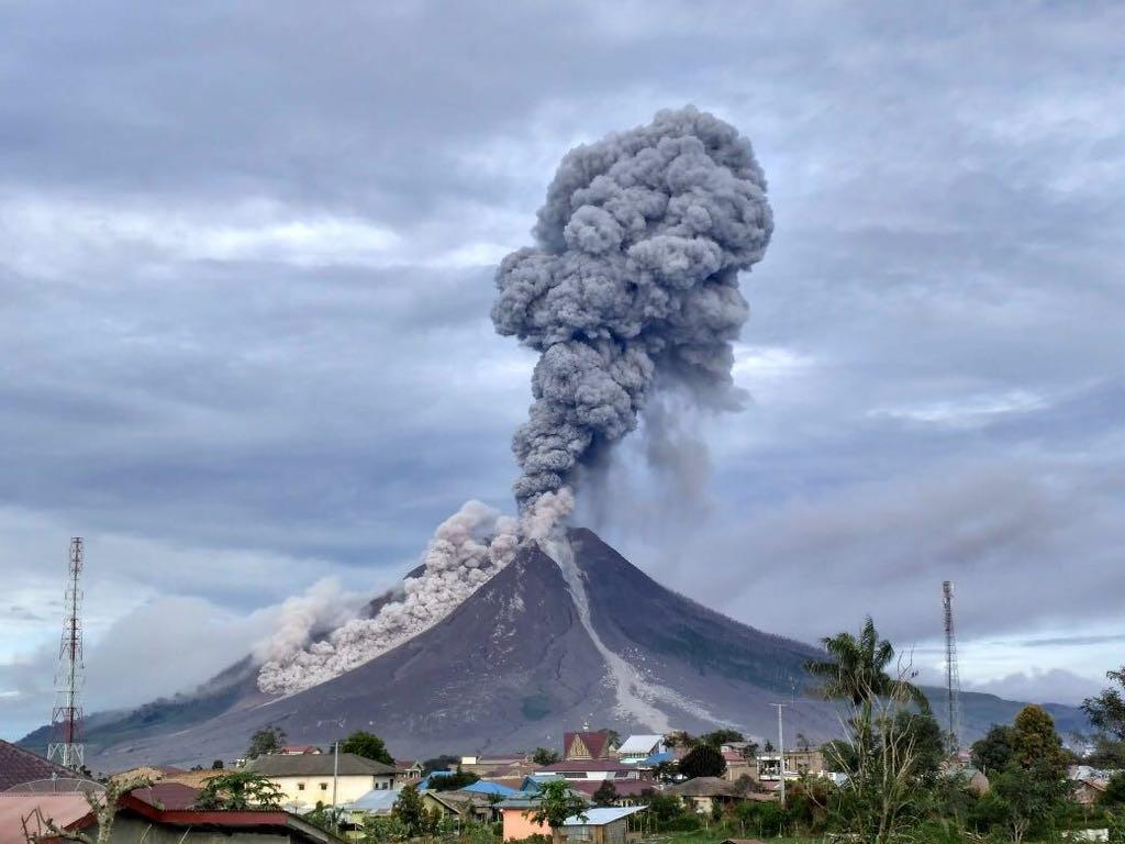 mimpi gunung berapi