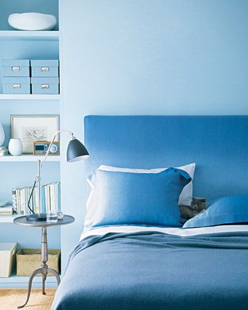warna kamar biru langit yang menenangkan