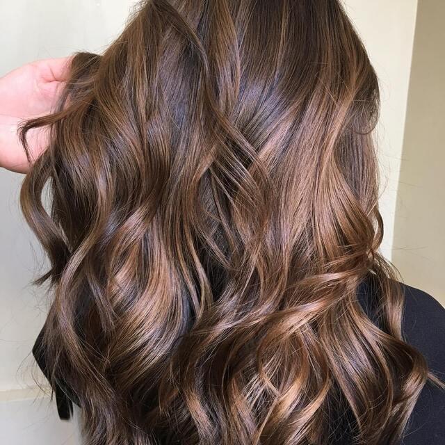 9 Warna Rambut Untuk Kulit Sawo Matang Bikin Wajah Glowing