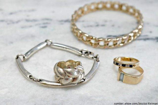 Pembersih Perhiasan