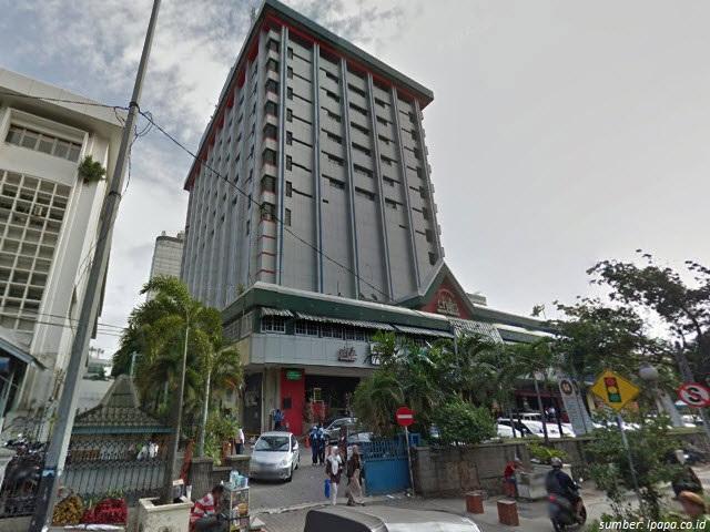 bangunan pertama di Indonesia
